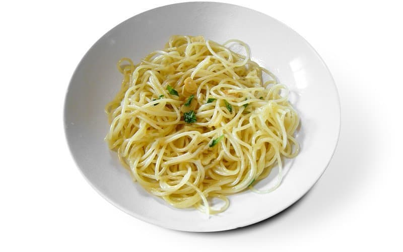 spaghetti garlic and oil simple and yet complex