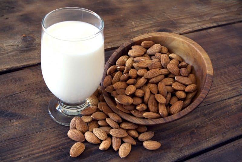 almond milk, a healthy drink